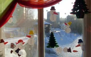 Снеговики для украшения окон