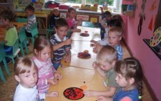 Бусы из природного материала в детский сад