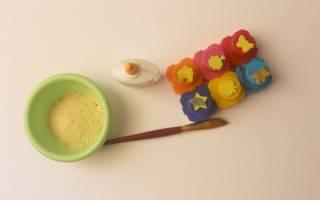 Как покрасить манку в разные цвета гуашью