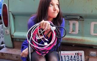 Как хранить провода и зарядные устройства